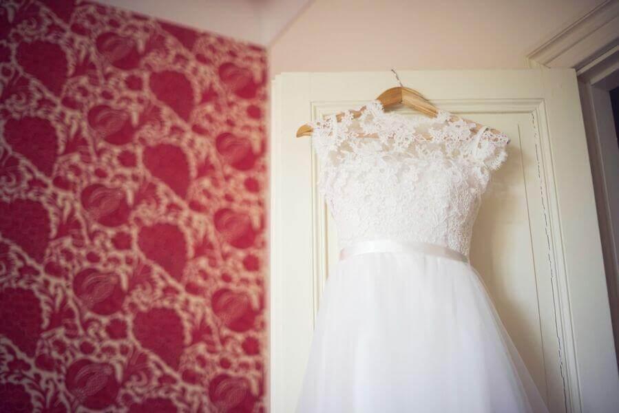 Robe de mariée, un ecréation sur-mesure dans un atelier de création