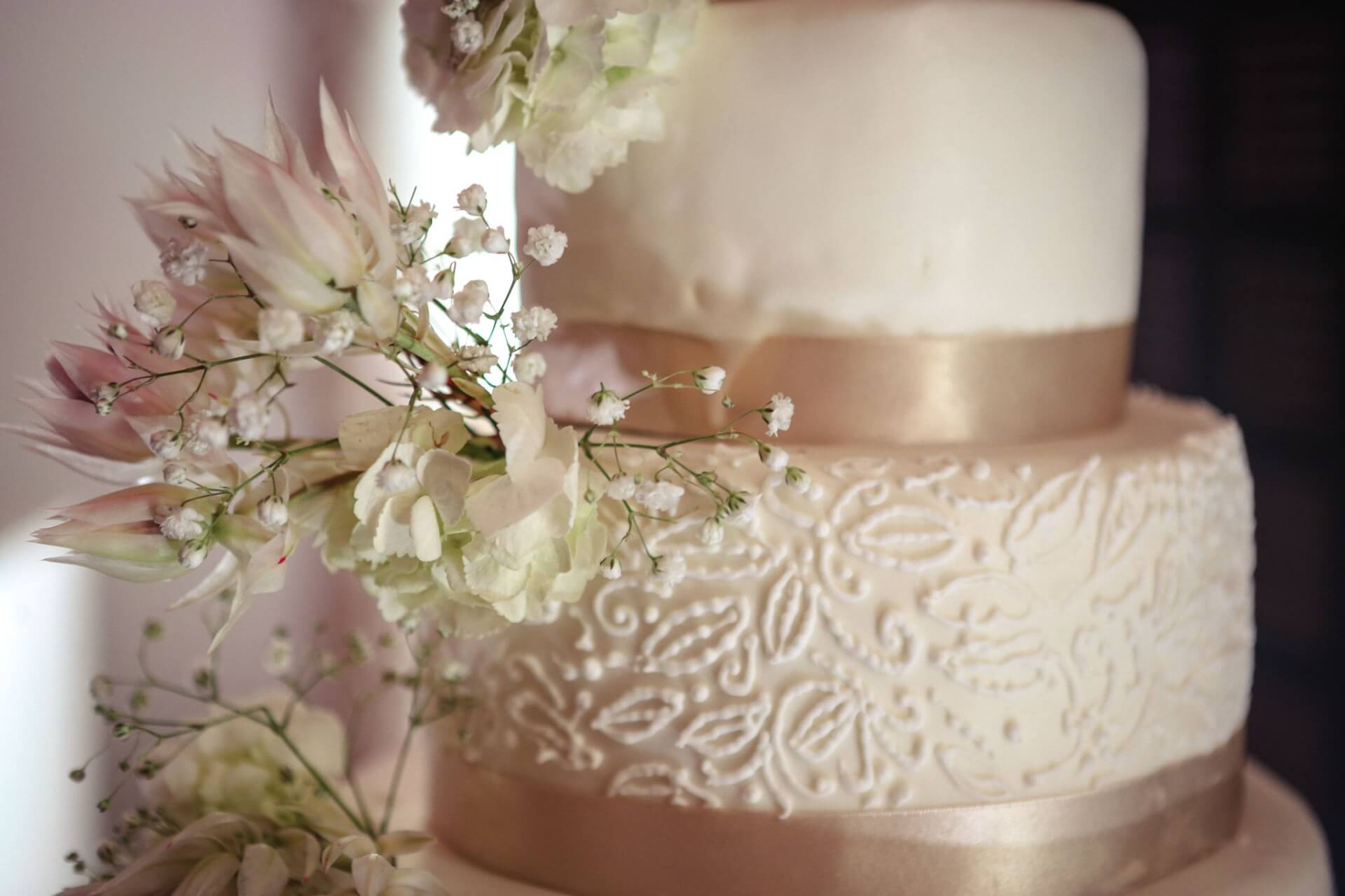 Wedding cake blanc et crème