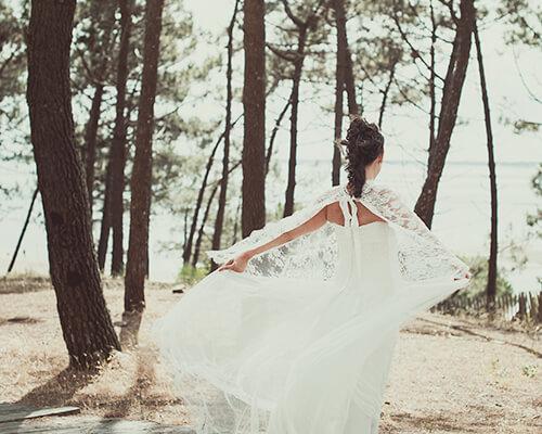 Mariage poétique au milieu des pins