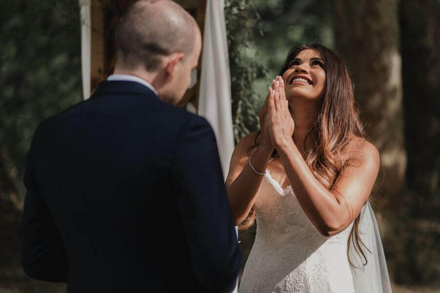 Une cérémonie laïque dans un endroit magique avec une officiante pour votre Jour-J by Weday's