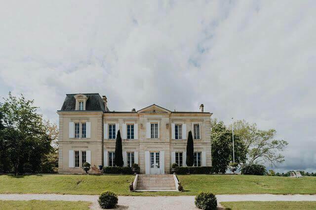chateau de Garde au coeur de Moulon